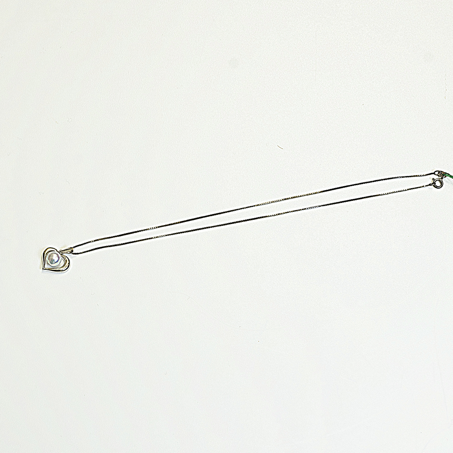 ネックレス・あこや本真珠8.3mm・0.9mmベネチアシルバーチェーン普段使いに最適です。
