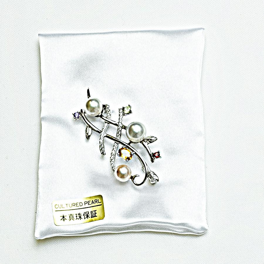 大特価1点物!!ブローチ・6.7~8.0mm3個のあこや本真珠・マルチストーン